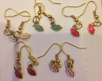 Cute simple delicate gold lips earrings