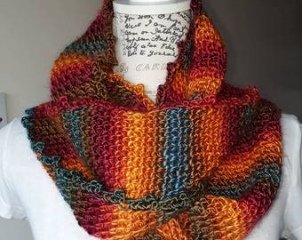 Crochet neck cowl, soft and colourful