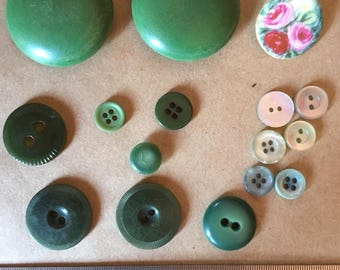 Vintage Buttons - Assorted - lot #7
