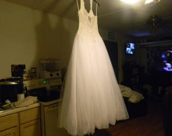 White Wedding Dress with veil size 4