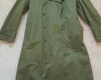 Korean war-era army Overcoat in like new condition