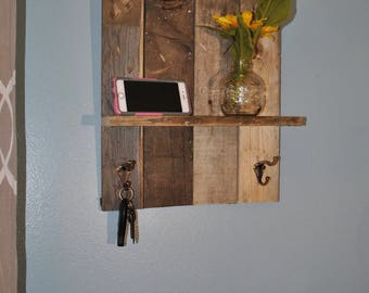 Reclaimed wood Key/Coat rack with shelf
