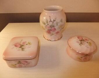 Collection Royal Worcester Palisay porcelain trinket pots and vase