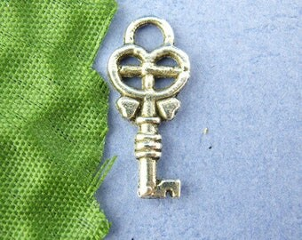 1 charm pendant key 8 * 18 mm
