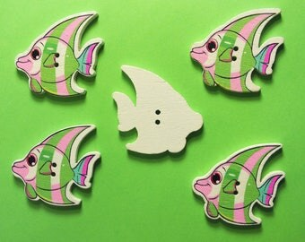 LOT 5 wood buttons: fish 32 * 28mm (06)