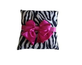 Pillows with Zebra bow