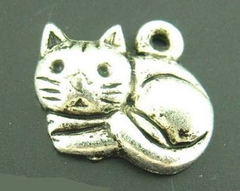 Pendant cat 15 x 13 mm