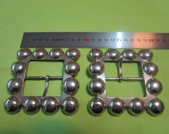 fancy a silver metal balls earrings