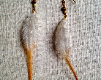 Earrings feathers natural white/camel (gold)