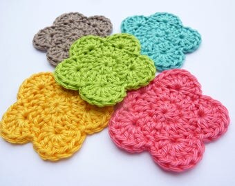 Set of 5 flowers crocheted multicolor