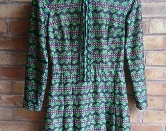 Vintage green flower print tea dress
