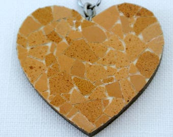 Mosaic shell of egg, wood, metal keychain