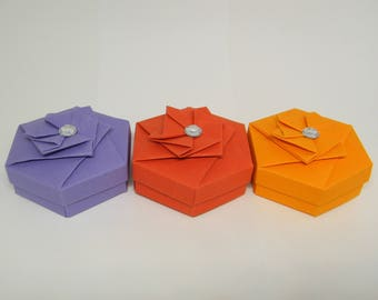 Set of 3 flat hexagonal origami boxes
