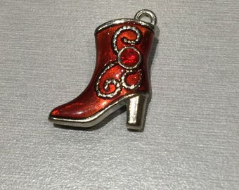Red boot (cowboy boot)