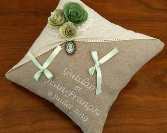 wedding pillow: the origami flowers