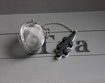 Ball tea Infuser, stainless steel, candy resin black and white crocodile