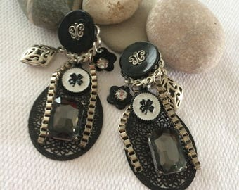 earrings with print