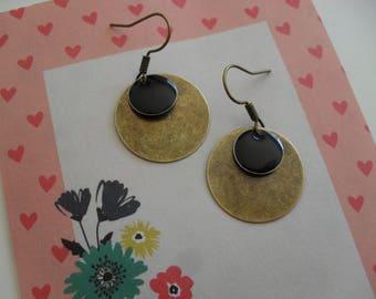 Earrings with enamel