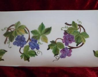 flat long customizable grapes pattern
