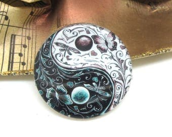 2 cabochons 10 mm glass Yin Yang white and Black 2-10 mm