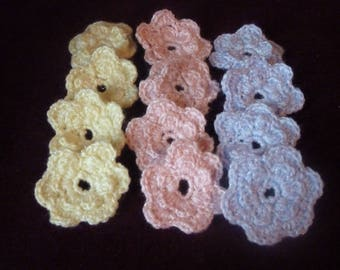 Crochet flowers in acrylic yarn, set of 12