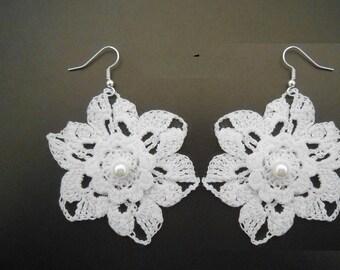 Flower lace earrings cotton white crochet. RIGID.