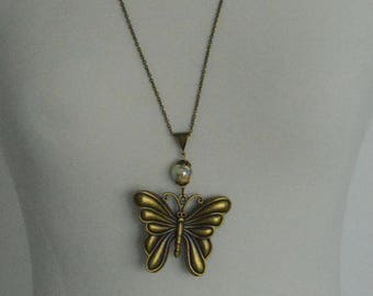 Long necklace bronze pendant butterfly and Pearl beige