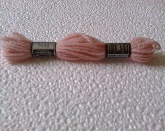 7132 Colbert tapestry wool pink