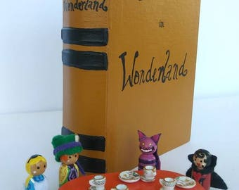 Alice in Wonderland set