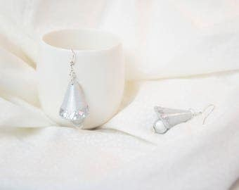 Gray earring clear conical shaped mirror shards, 3D silver grey glass Pearl Earring, jewelry piece handmade parties or evening