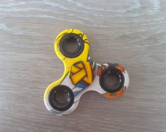 Hand spinner toy for children or adults
