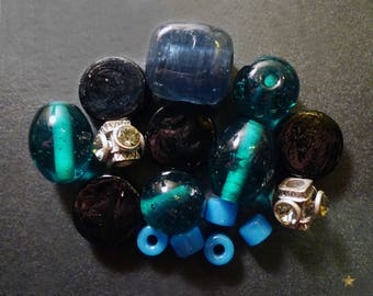 16 glass beads, blue Murano glass and metal
