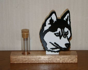 Support Husky dog with a small vial for flower pot pourri exct...