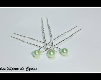 Set of 5 hair pins and green 8mm bead