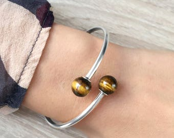 Silver bracelet with Tiger eye stone