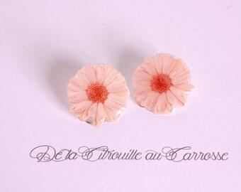 Clip on earrings pink flower