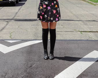 Springy 90s floral miniskirt