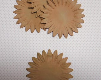 Large flower in natural beige paper x 2