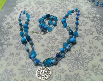 set (necklace and bracelet) modern and unique (blue)