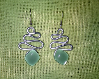 Trendy aluminum and glass piece green diamond-shaped earrings unique