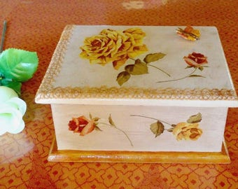 Shabby style decorated wooden jewelry box