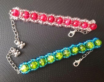Charming beaded bracelet with silver plated chain