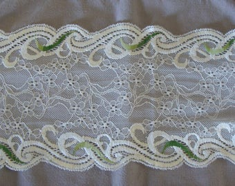 50 cm of green between two ecru Calais lace high quality cotton/poly width 17 cm