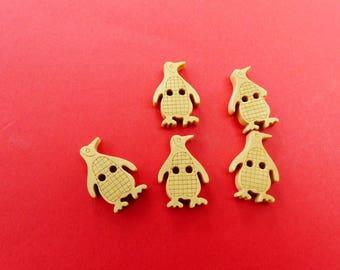 5 wooden Penguin buttons 1, 3 x 1, 9 cm