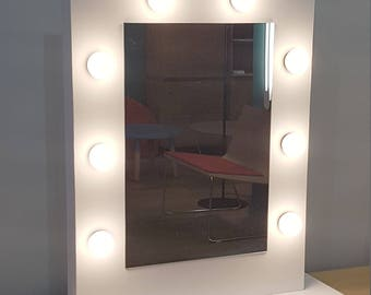 Bright light light makeup mirror