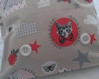 Pillow + cover patterns cats birds + large buttons - 40 x 40 cms - shades of grey, Red