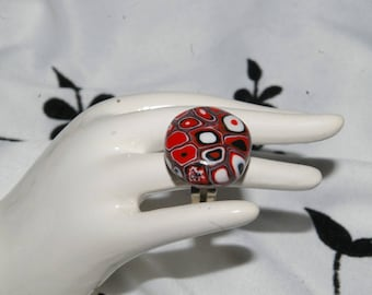 Shades of Red round ring