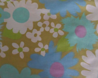 Vintage Flower Power Twin Sheet Set