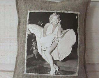 Door Marylin Monroe linen cushion