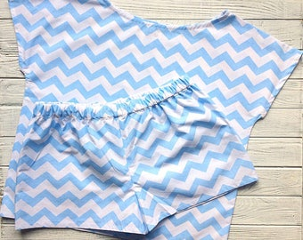 Cotton pajamas with short sleeves and shorts